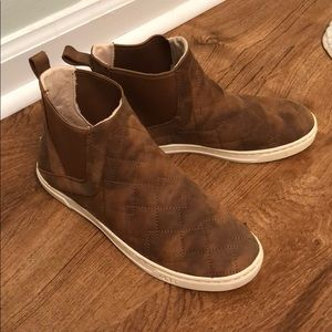 Authentic UGG Australia leather Hightop sneakers